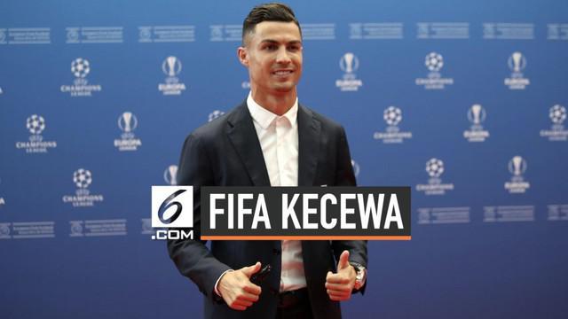 FIFA memberi respons negatif setelah Cristiano Ronaldo membatalkan secara sepihak untuk hadir di malam penghargaan The Best FIFA Awards 2019 di Milan, Selasa (24/9/19). Padahal, para petinggi FIFA telah menanti-nanti kedatangan megabintang asal Portu...