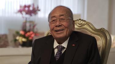 Miliarder Lee Man Tat. https://corporate.lkk.com/