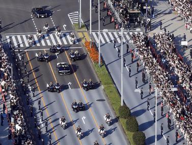 Ribuan Warga Tokyo Saksikan Parade Kaisar Naruhito dan Permaisuri Masako