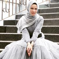 Busana hijab Angel Lelga. (angellelga/instagram)