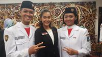 Pasangan Paskibraka 2017 dari Jawa Timur memperoleh tempat istimewa di kelompok 8 untuk upacara pengibaran dan penurunan Bendera.