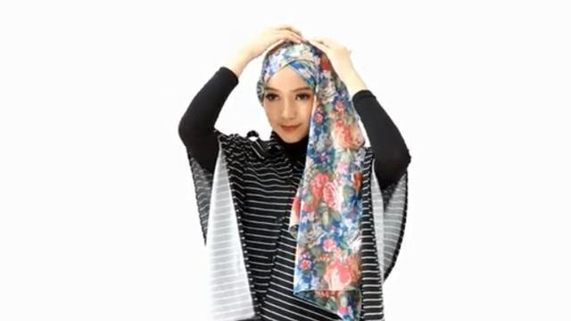 Tutorial Hijab Layer Samping Yang Bikin Tampilan Kian Stylish Ramadan Liputan6 Com