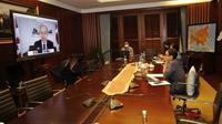 """Menlu RI Retno L.P Marsudi mengikuti pertemuan Ministerial Coordination Group on COVID-19 (MCGC) dengan tema """"The Importance of Vaccine Development to Fight COVID-19 Pandemic"""" pada 9 Juni 2020. (Dok: Kemlu RI)"""