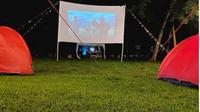 Ada Wisata Berkemah Sambil Nonton Film di Bogor. (dok.Instagram @newpanjangjiworesort/https://www.instagram.com/p/CIAfeJuD-GD/Henry)