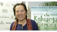 Penulis 'Keluarga Cemara' Meninggal Dunia, Ini 5 Fakta Tentang Arswendo Atmowiloto (sumber: KapanLagi.com)