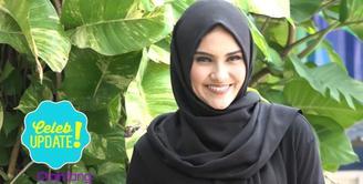 Zee Zee Shahab pernah diberikan kejutan ulang tahun oleh suaminya, Prabu Revolusi di Museum Taman Prasasti.