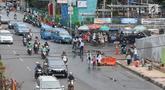 Suasana trotoar di depan Terminal Depok, Jawa Barat, Kamis (17/1). Trotoar Terminal Depok tidak bisa digunakan pejalan kaki menjelang sore lantaran diokupasi pedagang kaki lima (PKL). (Liputan6.com/Herman Zakharia)