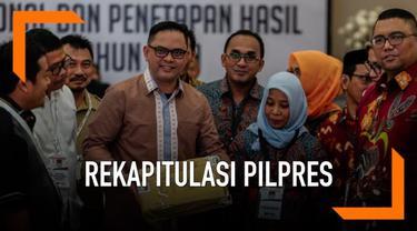 Komisi Pemilihan Umum (KPU) RI menetapkan perolehan suara Pilpres 2019 dari 34 provinsi dan 130 PPLN, yakni pasangan 01 Jokowi-Ma'ruf memperoleh 85.607.362 suara atau 55,50 persen. Sementara pasangan 02 Prabowo-Sandiaga memperoleh 68.650.239 suara at...