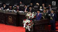 Presiden Joko Widodo (Jokowi) menyampaikan Pidato Kenegaraan pada Sidang Tahunan MPR 2018 di Gedung Nusantara, Senayan, Jakarta, Kamis (16/8). Sidang ruitn ini dilaksanakan jelang perayaan Hari Kemerdekaan Republik Indonesia. (Liputan6.com/Johan Tallo)