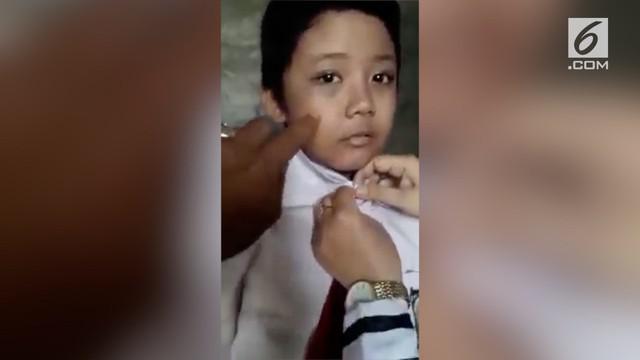 Bagas, seorang bocah SD mengaku disiksa oleh ibu kandungnya sendiri. Bocah malang itu mengalami luka lebam disekujur tubuhnya.