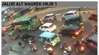 Kepadatan di Jalur Lingkar Nagreg, disebabkan jumlah kendaraan dalam waktu yang sama dari Tasikmalaya dan Garut menuju arah Bandung mencapai 57.872 unit. (Foto: Liputan6.com/Arie Nugraha)