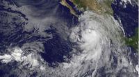 Badai terbentuk di atas laut Pasifik menuju Meksiko. (AFP)