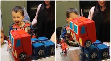 Kue Ultah Robot 'Optimus Prime' yang Bisa Berubah