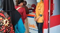 Mahmudah sukses memperluas warungnya berkat menjadi Agen BRILink di Jl Malangdirana, Segaralangu Cipari, Yogyakarta.