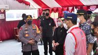 Panglima TNI Marsekal Hadi Tjahjanto bersama Kapolri Jenderal Listyo Sigit Prabowo dan Ketua DPR RI Puan Maharani meninjau posko penyekatan check point Pelabuhan Bakauheni Lampung. (Istimewa)