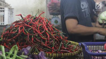 Sempat menginjak harga Rp 100.000 per kilogram (kg), saat ini harga cabai merah keriting terpantau sudah mengalami penurunan yang cukup signifikan di Pasar Malabar, Tangerang.