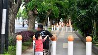 Trotoar Tak Ramah Difabel (Foto: Twitter/nurhadi_a)