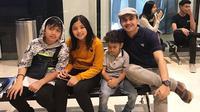 Sahrul Gunawan dengan Ketiga Anaknya (Sumber: Instagram/sahrulgunawanofficial)