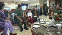 Karim bersama Panglima TNI Hadi Tjahjanto. (foto: istimewa)