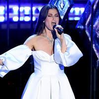 Selain Idina Menzel, lagu Frozen 2 di Oscar 2020 juga hadirkan para penyanyi dari negara lain. (Twitter)