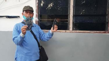 Rumah karyawan PT Langgam Harmuni yang dirusak oleh ratusan orang bayaran.