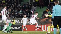 Patrick Cutrone membobol gawang Ludogorets dan membuat AC Milan unggul. (doc. AC Milan)
