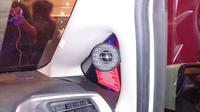 Upgrade audio system menjadi salah satu solusi meningkatkan kenyamanan di kabin mobil (Yongki/Liputan6.com)