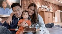 Paula Verhoeven membawa kabar tak mengenakan di tengah kehamilan anak keduanya bersama Baim Wong. Untuk kedua kalinya, Paula terpapar virus Covid-19. Ia pun menjalani isolasi mandiri di lantai atas rumahnya. (Instagram/paula_verhoeven)