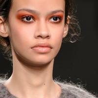 Makeup Tren: Orange Makeup