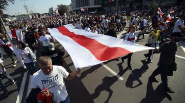 FOTO: Puluhan Ribu Demonstran Tuntut Presiden Belarusia Mundur