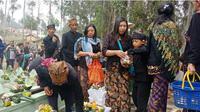 Nyadran Budaya Leluhur Suku Tengger Bromo Tetap Lestari.(Liputan6.com/Dian Kurniawan)