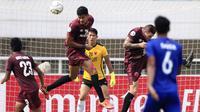 Bek PSM Makassar, Abdul Rahman, menyundul bola saat melawan Lao Toyota FC pada laga Piala AFC 2019 di Stadion Pakansari, Bogor, Rabu (13/3). PSM menang 7-3 atas Lao. (Bola.com/M. Iqbal Ichsan)