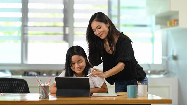 Membangun Komunikasi yang Baik dengan Anak