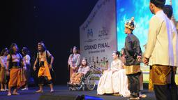 Pertunjukan seni Theater dan drama musical Grand Final Lomba Suara Anak Indonesia 2018 oleh siswa/i SMP dan SLTA Sejabodetabek berkolaborasi dengan para finalis Lomba Suara Anak Indonesia 2018 di Jakarta, Minggu (25/11). (Liputan6.com/Pool/KPPPA)