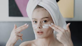 3 Manfaat Memakai Skincare bagi Kesehatan Mental