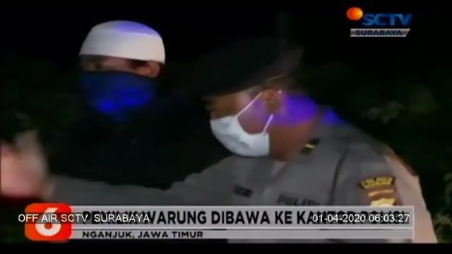 Razia ini dilakukan upaya penanggulangan penyebaran virus corona oleh satuan Kepolisian Nganjuk, Jawa Timur, polisi membubarkan warung yang ramai oleh pengunjung, sebelum dibubarkan polisi memberi edukasi tentang virus corona.