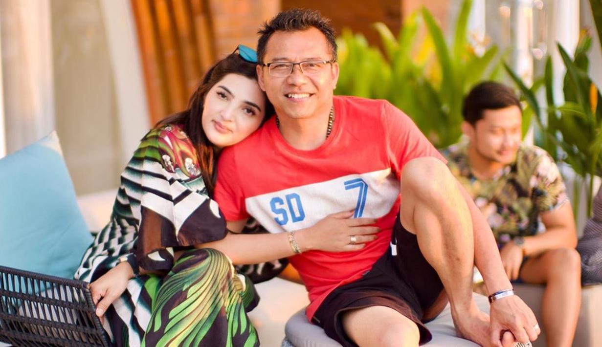 FOTO: Gaya Santai Anang Hermansyah saat Bersama Keluarga ...
