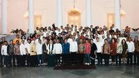 Jokowi saat bertemu jajaran TKN dan TKD Jokowi-Ma'ruf di Istana Kepresidenan Bogor, Jawa Barat. (Istimewa)