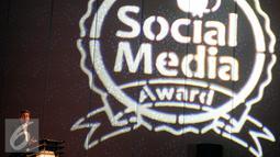 Pemimpin Redaksi Majalah Marketing, PJ Rahmat Susanta, memberikan sambutan dalam acara Penganugerahan Social Media dan Digital Marketing Awards 2016 di Hotel Mulia, Jakarta, selasa malam (19/10). (Liputan6.com/Johan Tallo)