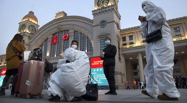 FOTO: Lockdown Berakhir, Kereta Kembali Beroperasi di Wuhan