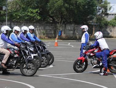 Belajar Berkendara Dengan Baik di Kegiatan Safety Riding