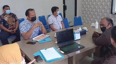 PPDB Jalur zonasi di Surabaya diwarnai kecurangan peserta dengan mendekatkan jarak. (Dian Kurniawan/Liputan6.com)