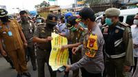 Penyegelan 2 pasar di Kabupaten Bekasi pada masa PSBB Corona. (dok Polda Metro Jaya)