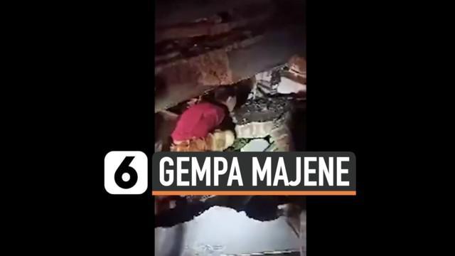 Gempa besar susulan di Majene berkekuatan magnitudo 6,2 kejutkan warga setempat. Gempa robohkan sejumlah bangunan, dilaporkan beberapa warga terperangkap di reruntuhan bangunan.