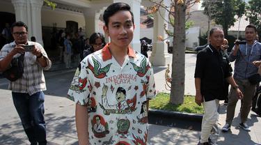 Gibran Pakai Batik Pahlawan Nasional