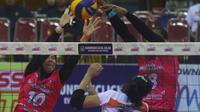 Tim putri Jakarta Pertamina Energi mengalahkan Bandung Bank BJB Pakuan 3-1 (20-25, 25-20, 25-21, 25-16) pada laga seri kedua Final Four Proliga 2019 di GOR Ken Arok Malang, Sabtu (16/2/2019). (Bola.com/Gatot Susetyo)