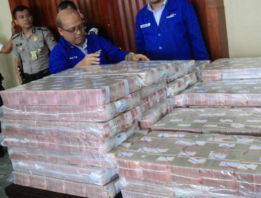 Wow, Begini Penampakan Duit Cash Rp 87 M Samadikun