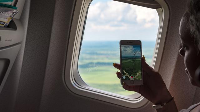 Hati-hati, Ponsel Berpotensi Menyebabkan Kebakaran di Pesawat