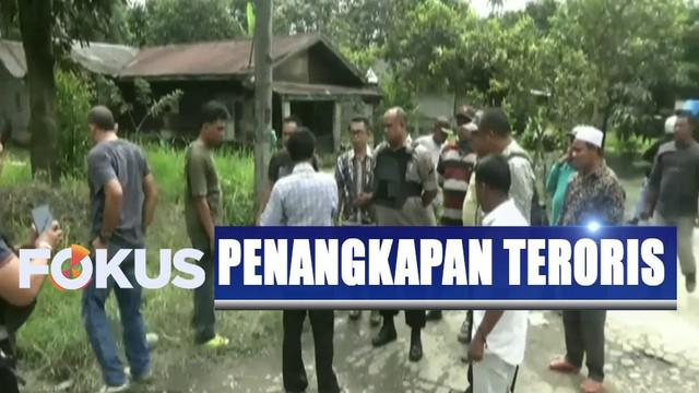 Dua jenazah terduga teroris kemudian dibawa ke Rumah Sakit Bhayangkara Polda Sumatera Utara.