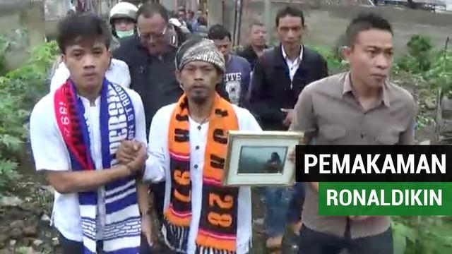 Suporter sepak bola Indonesia, Ronaldikin atau yang bernama asli Sodikin, dimakamkan pada Rabu (23/1/2019).